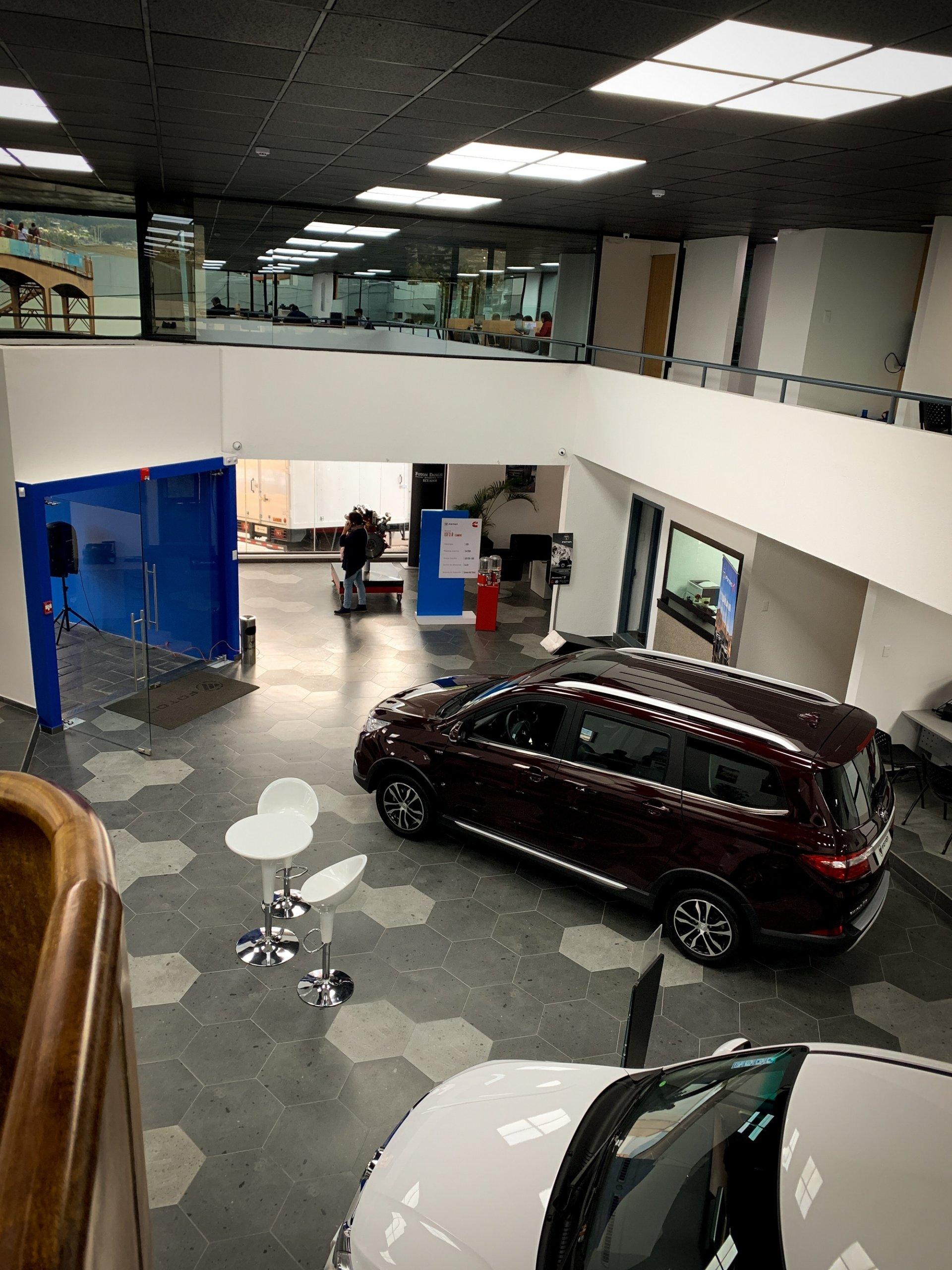 Concesionario-Vehiculos-Foton-Matriz-A3-Arquitectos-Quito-Ecuador-3