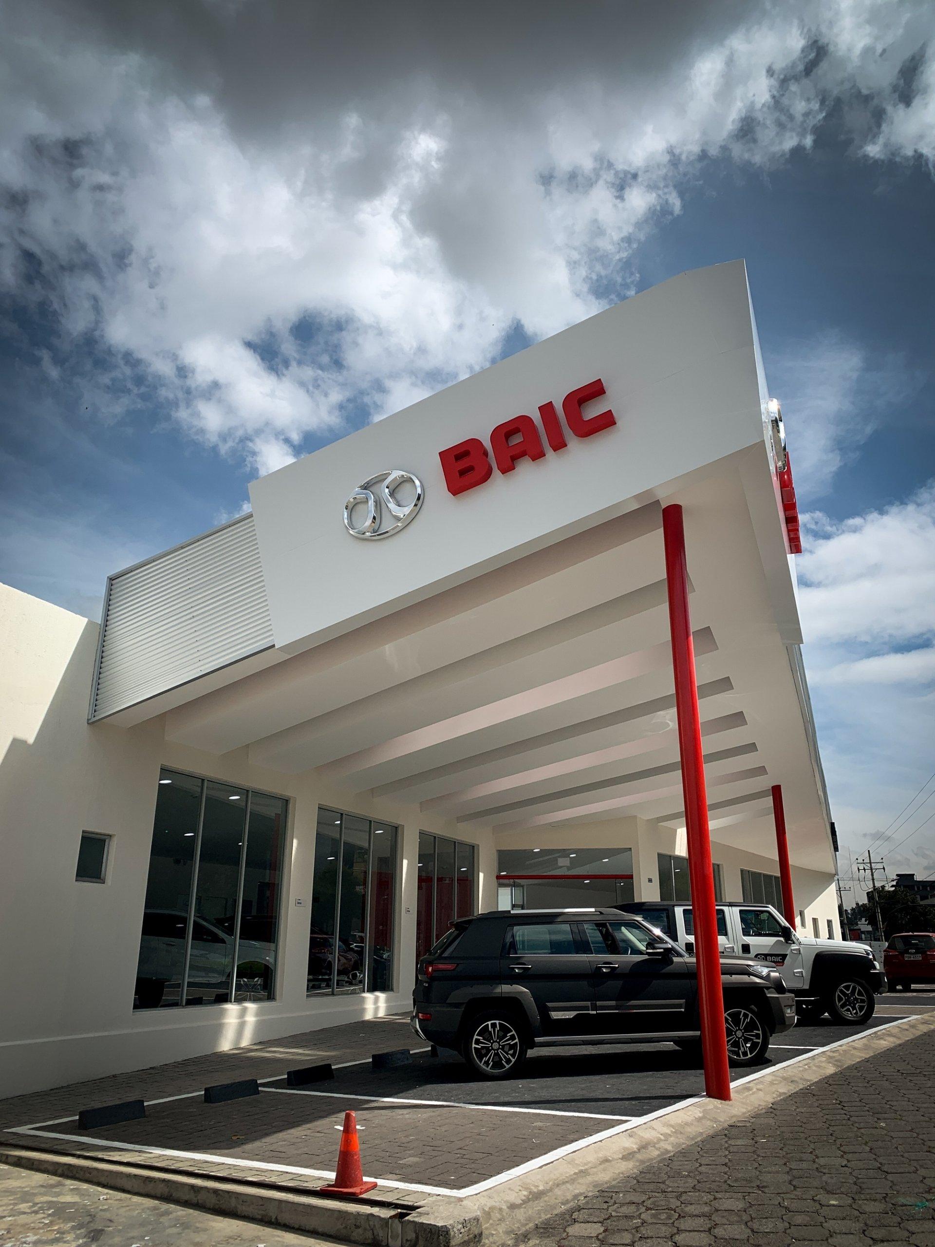 Concesionario-Vehiculos-BAIC-Eloy-Alfaro-A3-Arquitectos-Quito-Ecuador-2