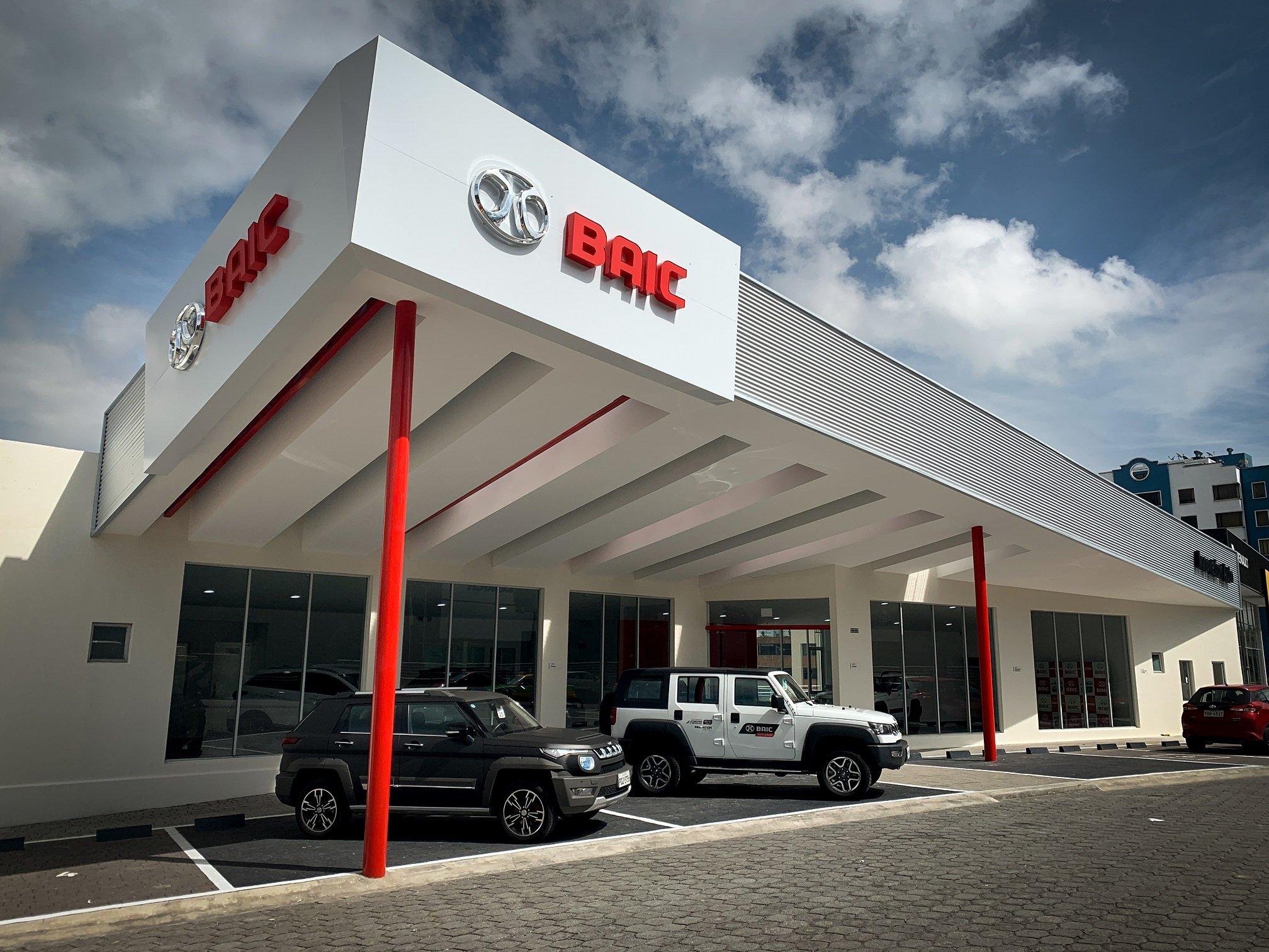 Concesionario-Vehiculos-BAIC-Eloy-Alfaro-A3-Arquitectos-Quito-Ecuador-1